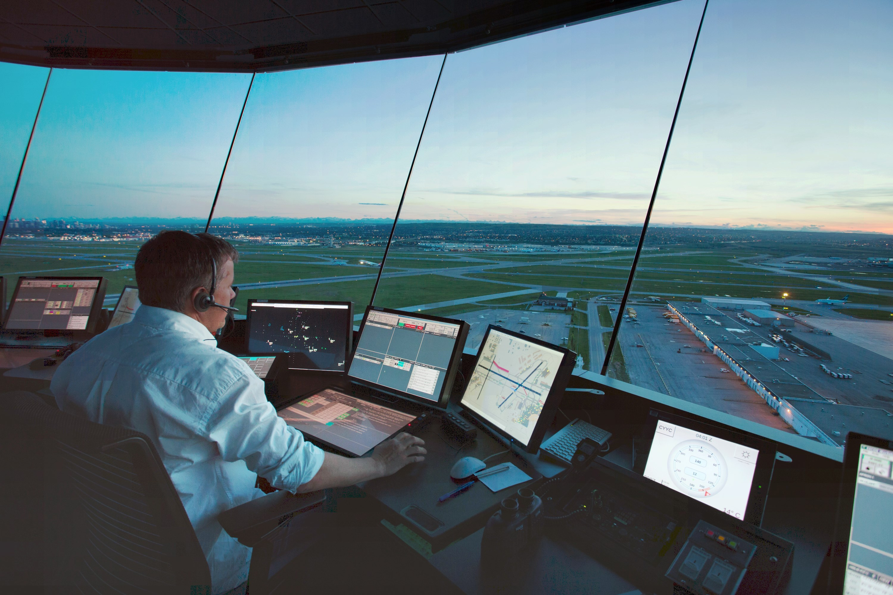 the role of the air traffic controller Although most of our trainees are successful in obtaining a role as an air traffic controller with us on completion of training, this is not guaranteed and will depend on your performance throughout the entire training period.