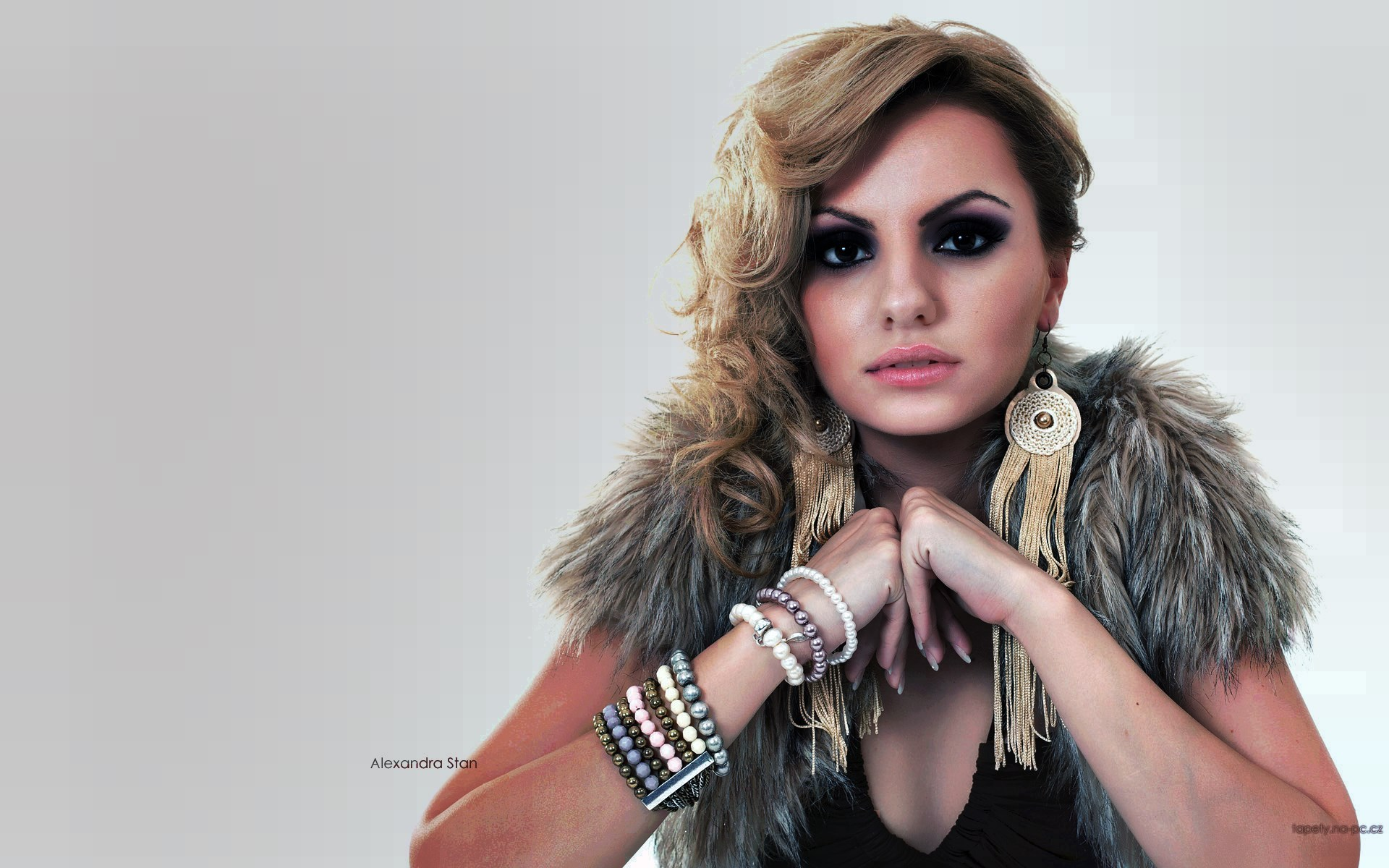 Alexandra stan known people famous people news and biographies altavistaventures Choice Image