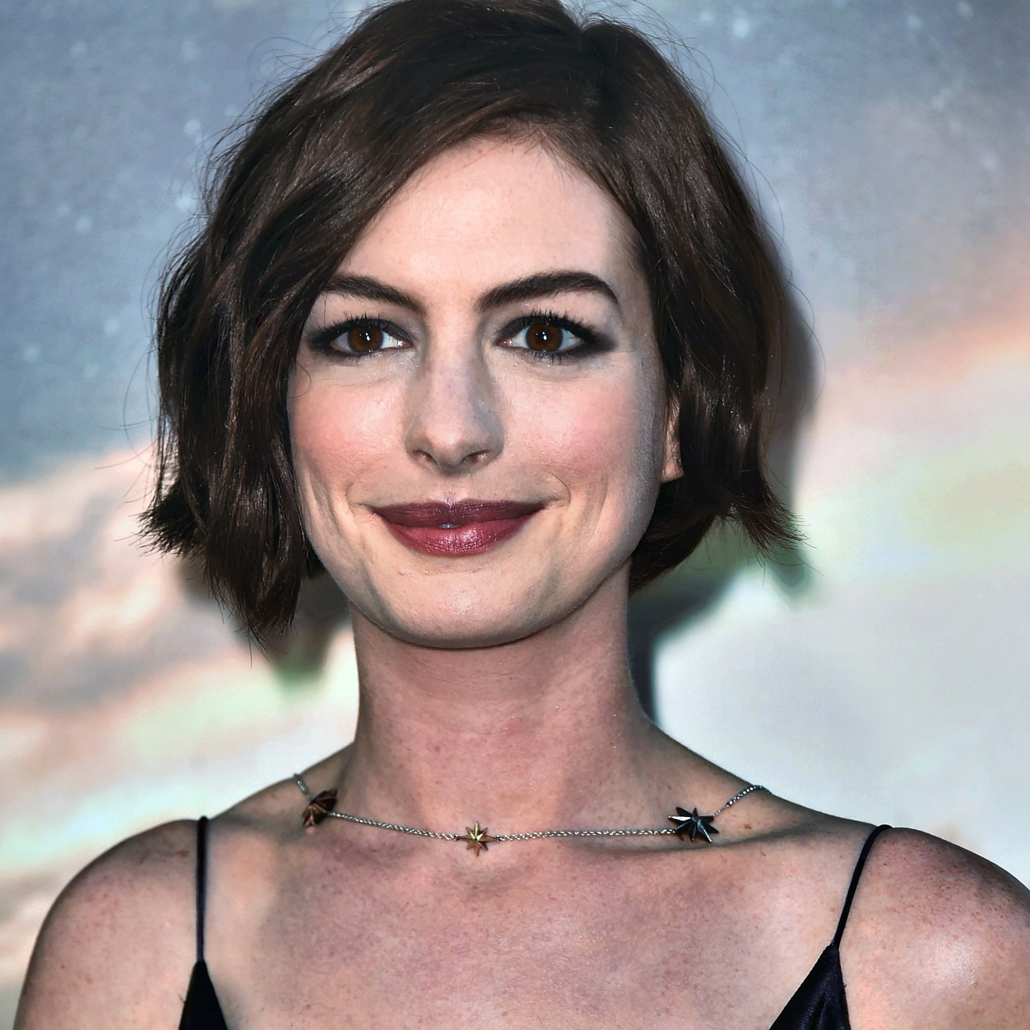 Anne Hathaway People: Known People - Famous People News And
