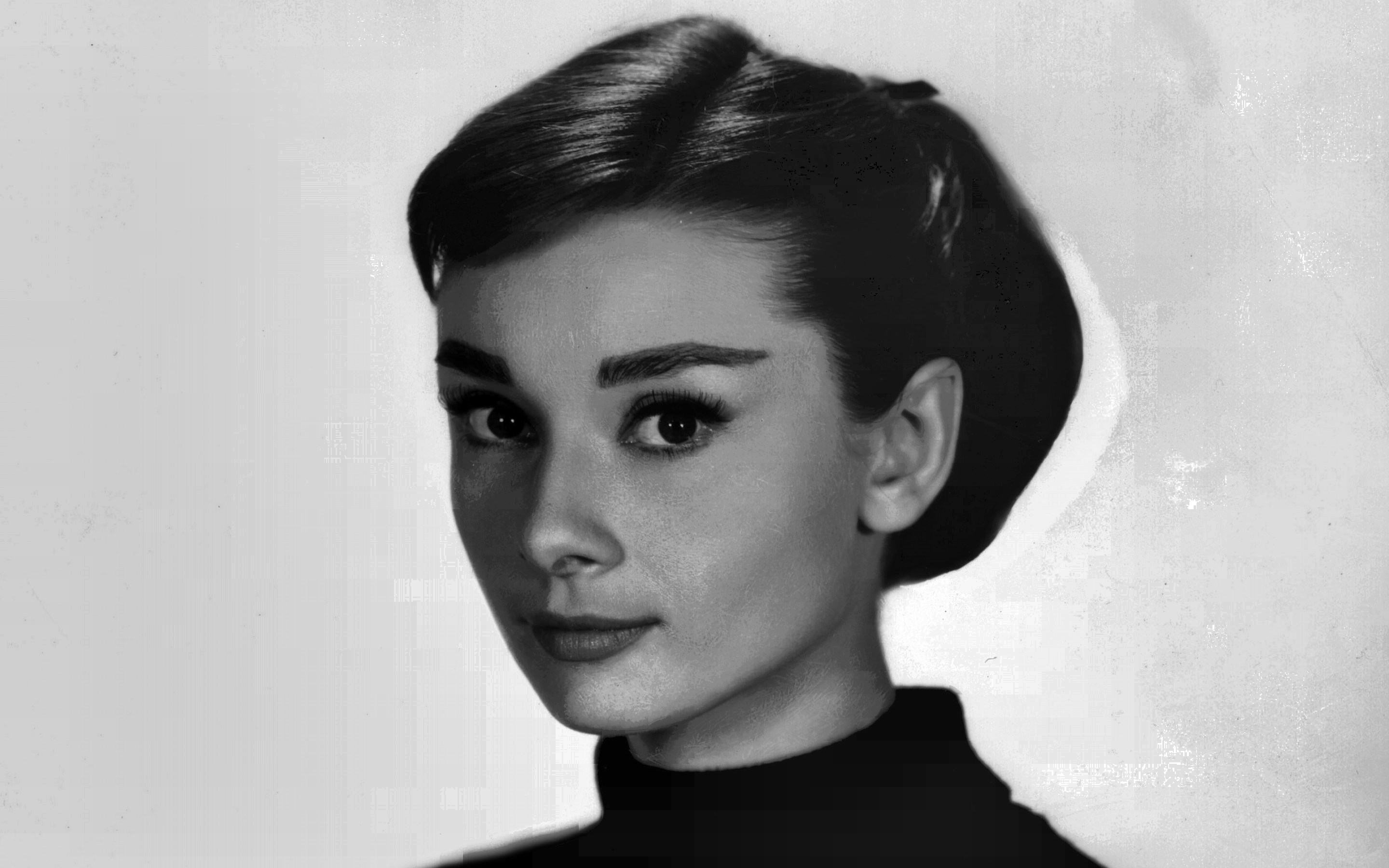 audrey hepburn known people famous people news and biographies. Black Bedroom Furniture Sets. Home Design Ideas