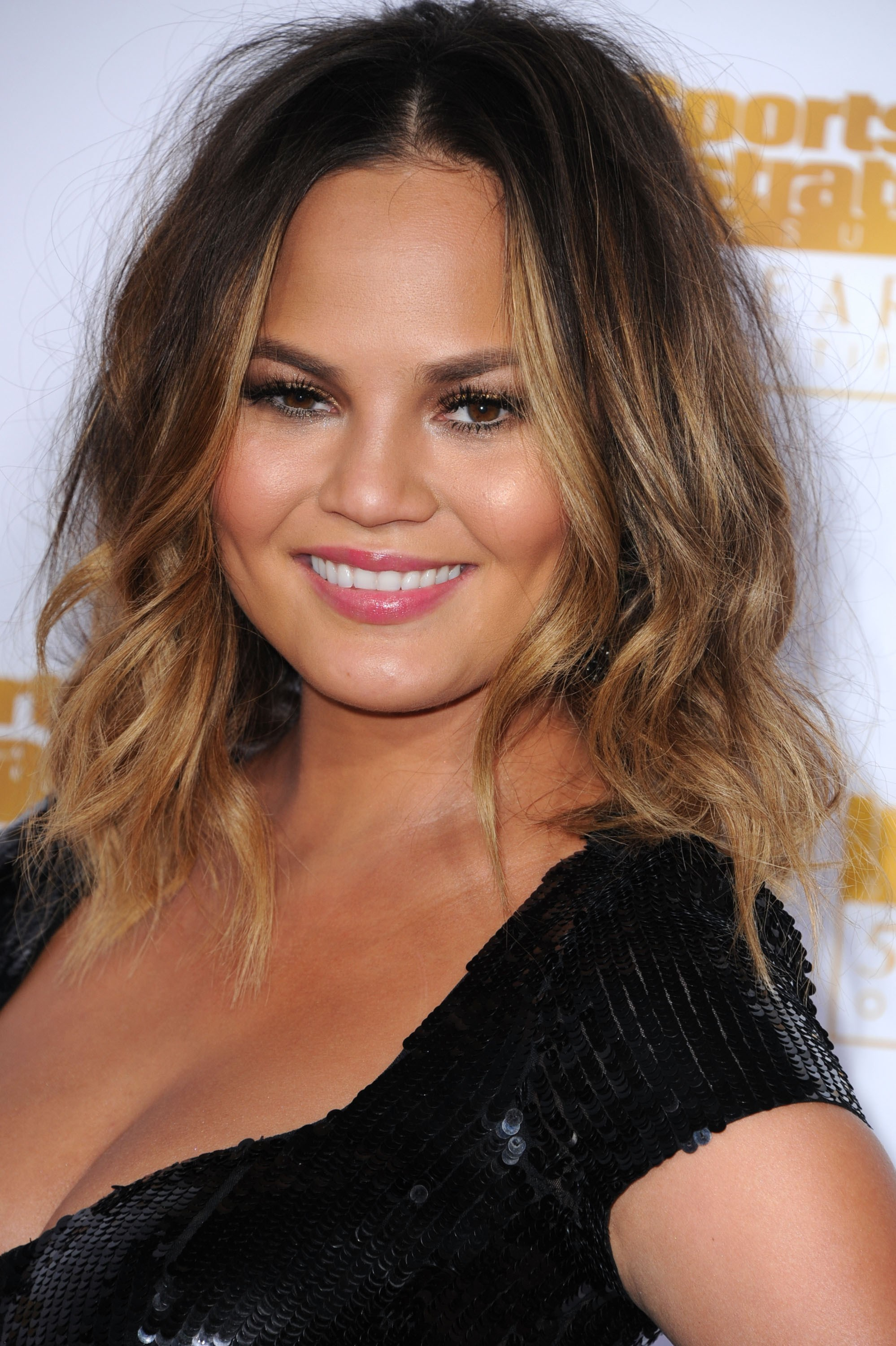 Chrissy Teigen Known People Famous People News And