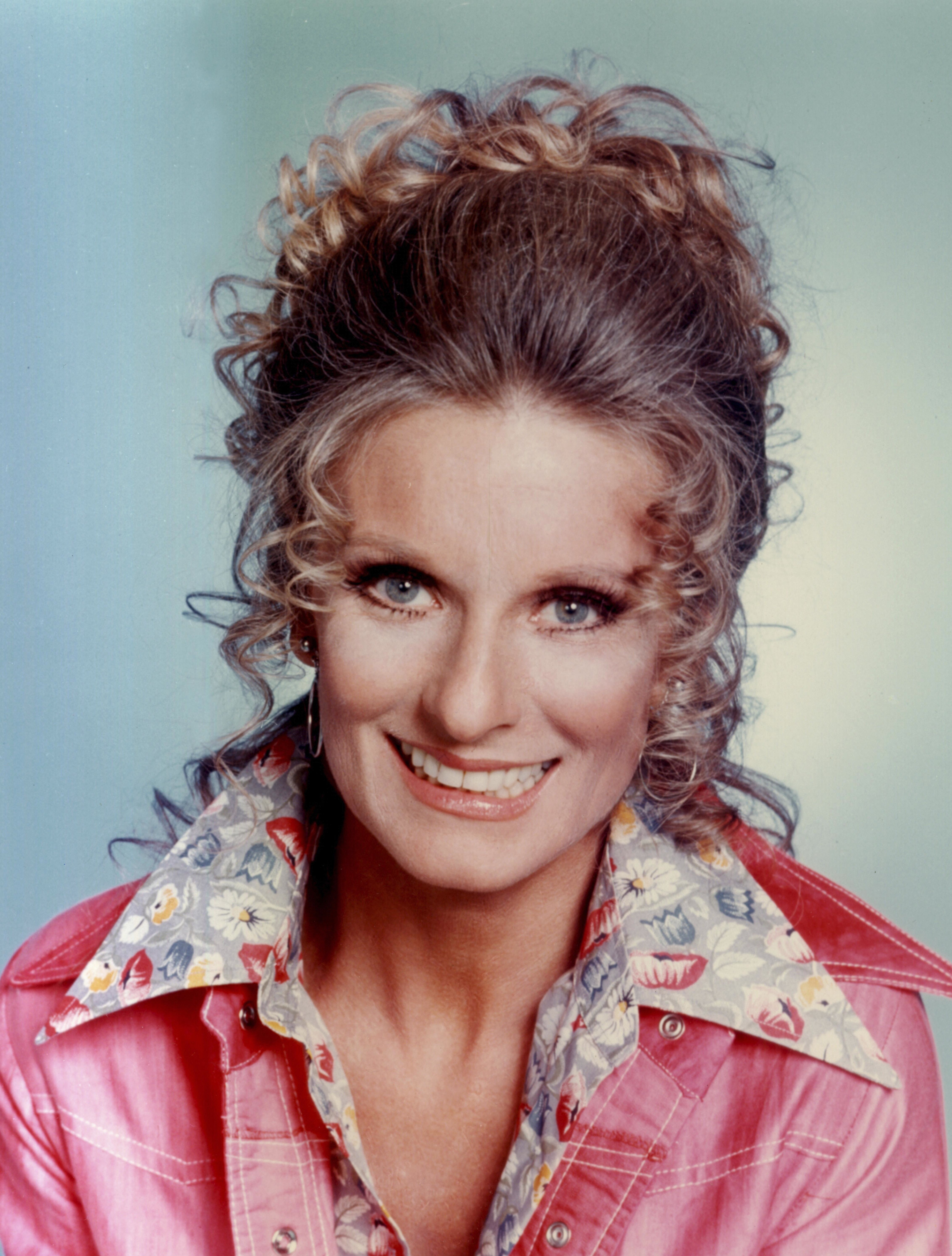 Cloris Leachman Known people  famous people news and - 1970 Hairstyles