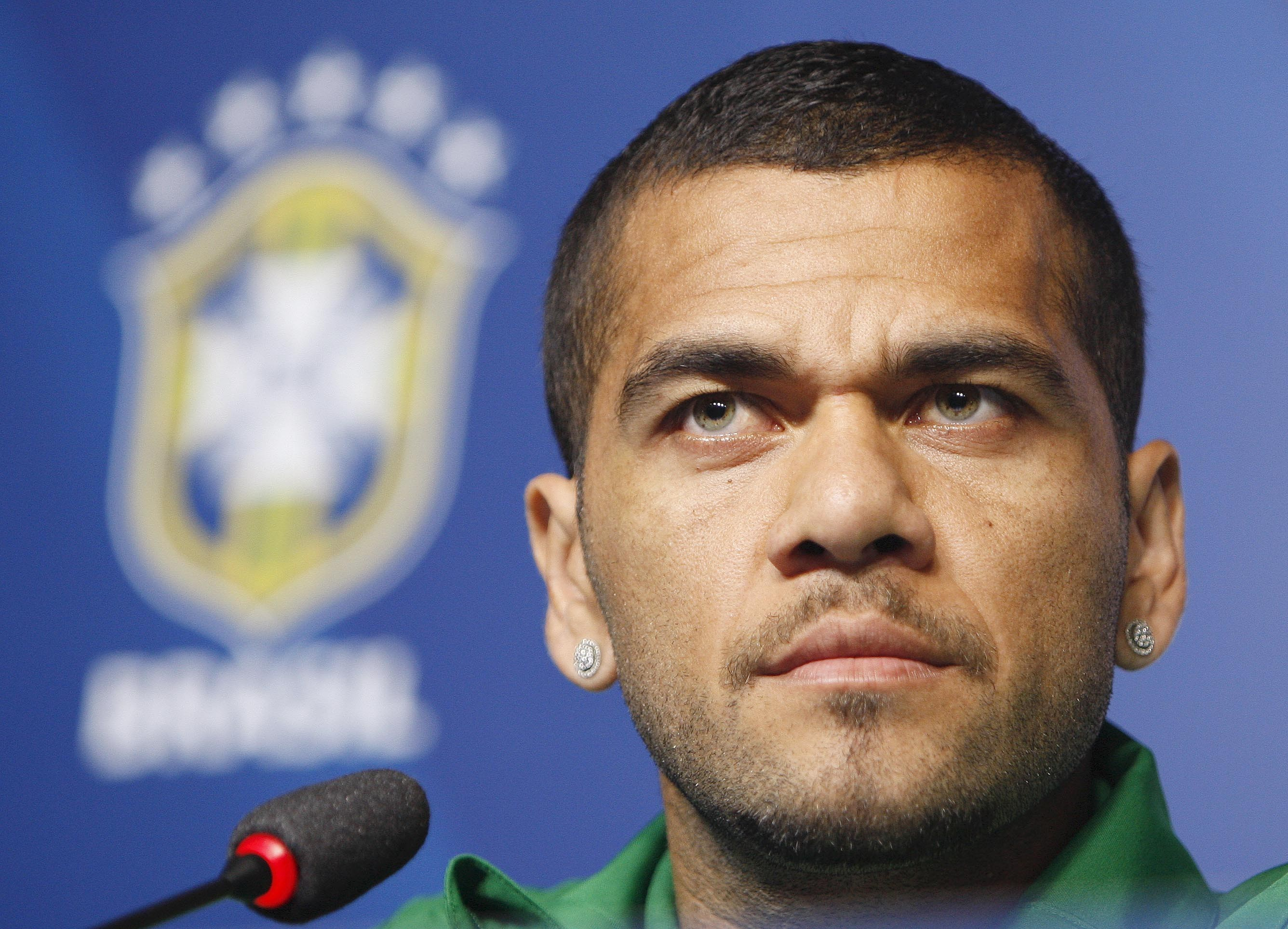 Daniel Alves | Known people - famous people news and ...
