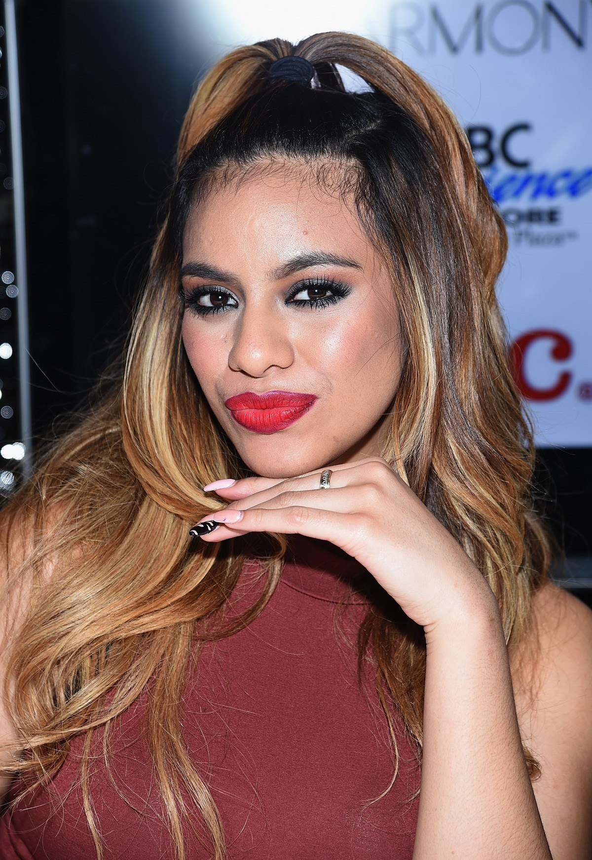 Dinah Jane Hansen | Known people - famous people news and biographies
