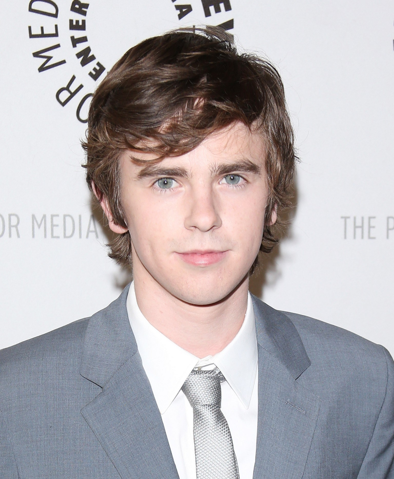 freddie highmore - photo #25