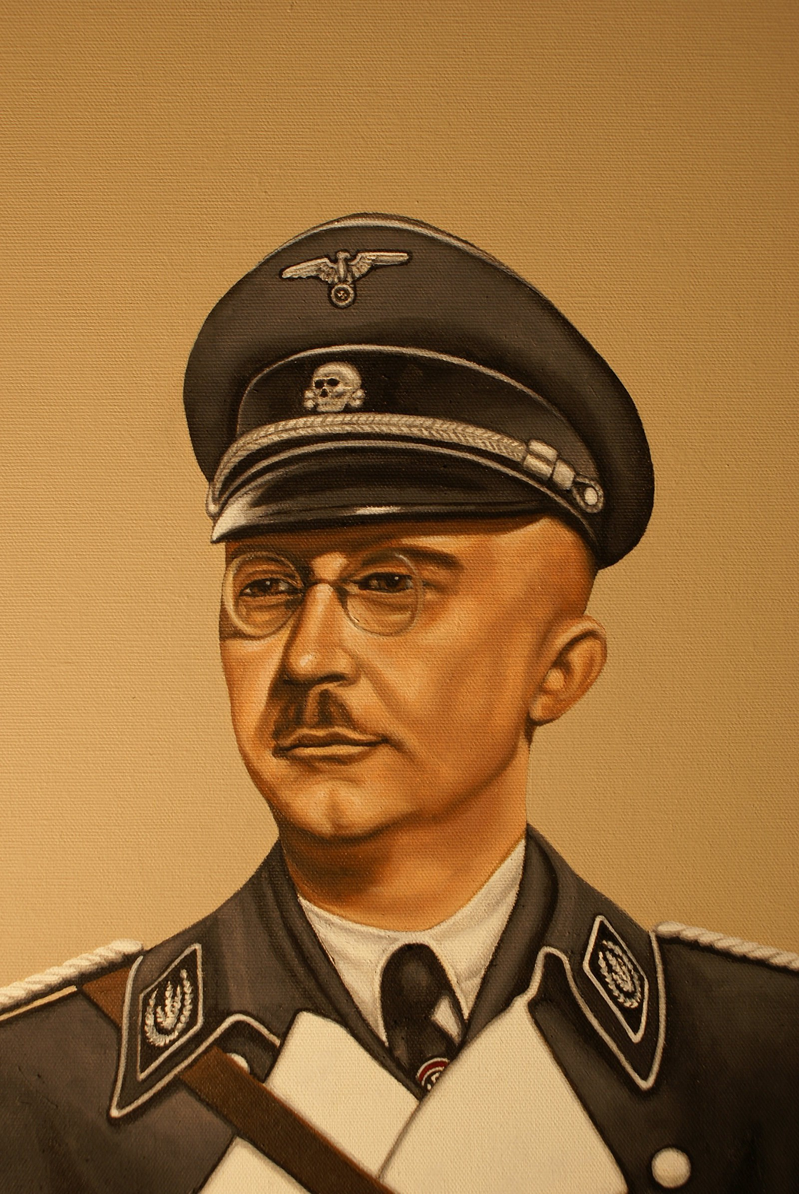 heinrich himler Heinrich himmler was reichsfuhrer-ss, head of the gestapo and the waffen-ss, nazi minister of the interior from 1943 to 1945 and organizer of the mass murder of jews in the third reich.