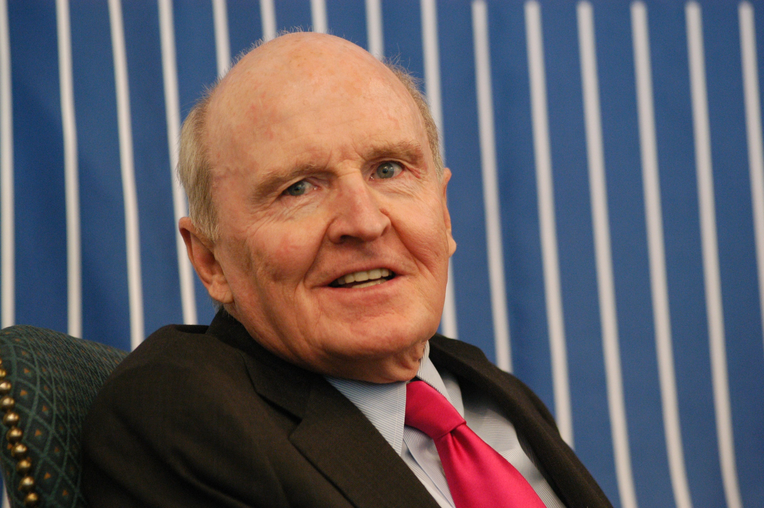 jack welch leading organizational change at ge Hbr - ge's two-decade transformation: jack welch's leadership dawn davis california baptist university professor putulowski 18 october 2014 summary of backgrounds and facts jack welch introduced transformational leadership at general electric (ge.