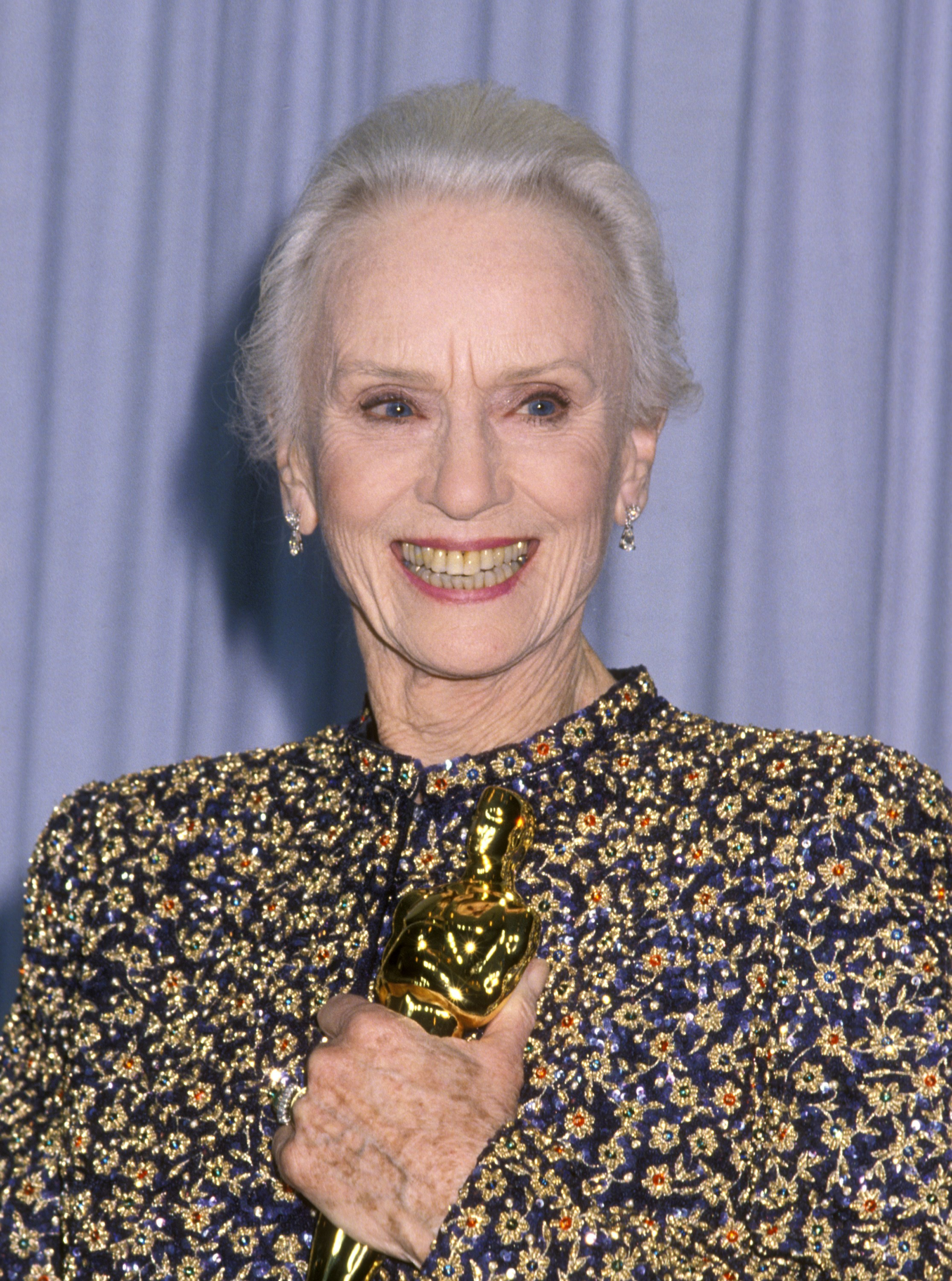 43161 additionally Jessica Tandy further Best Supporting Actor Nominee Tom Hardy Rocks Aviators Three Piece Suit Arrives Oscars Wife Charlotte also Diane Cilento Dead Oscar Nominated Ex Wife 274275 also Sag Awards Movies A Blow For The Post And A Boost For The Big Sick As Actors Further Muddy The Waters Of A Crazy Season Hammond 1202226041. on oscar nomination 2018 supporting actress