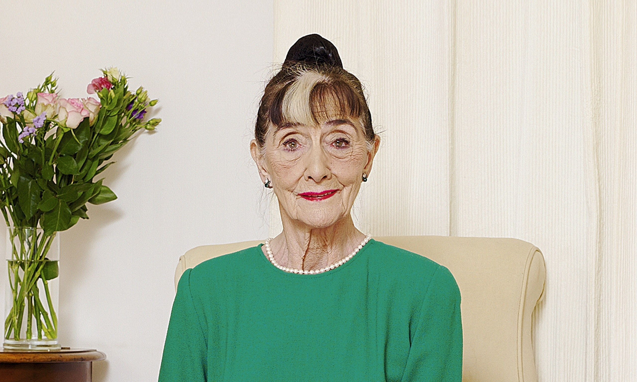 June Brown Known People Famous People News And Biographies
