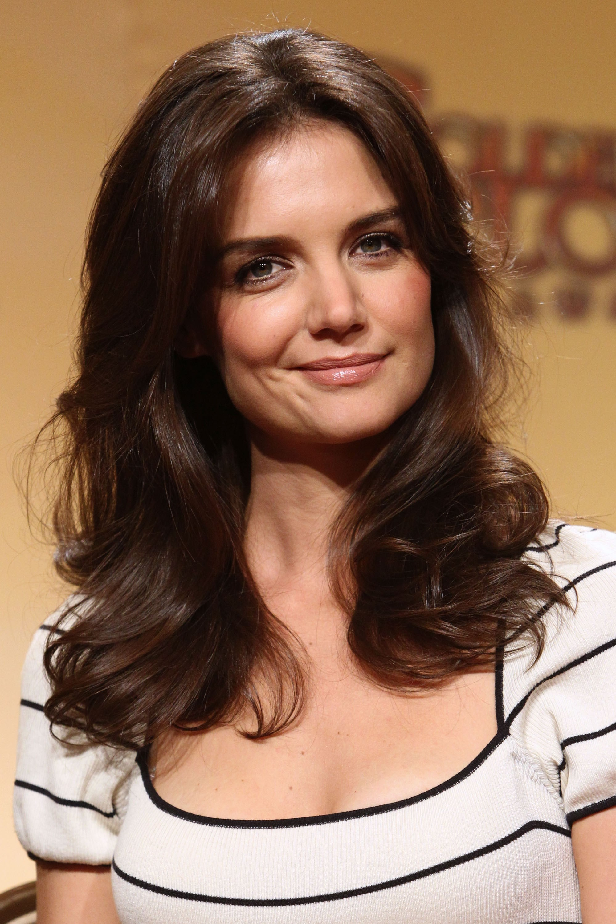 Katie Holmes | Known people - famous people news and ... Katie Holmes