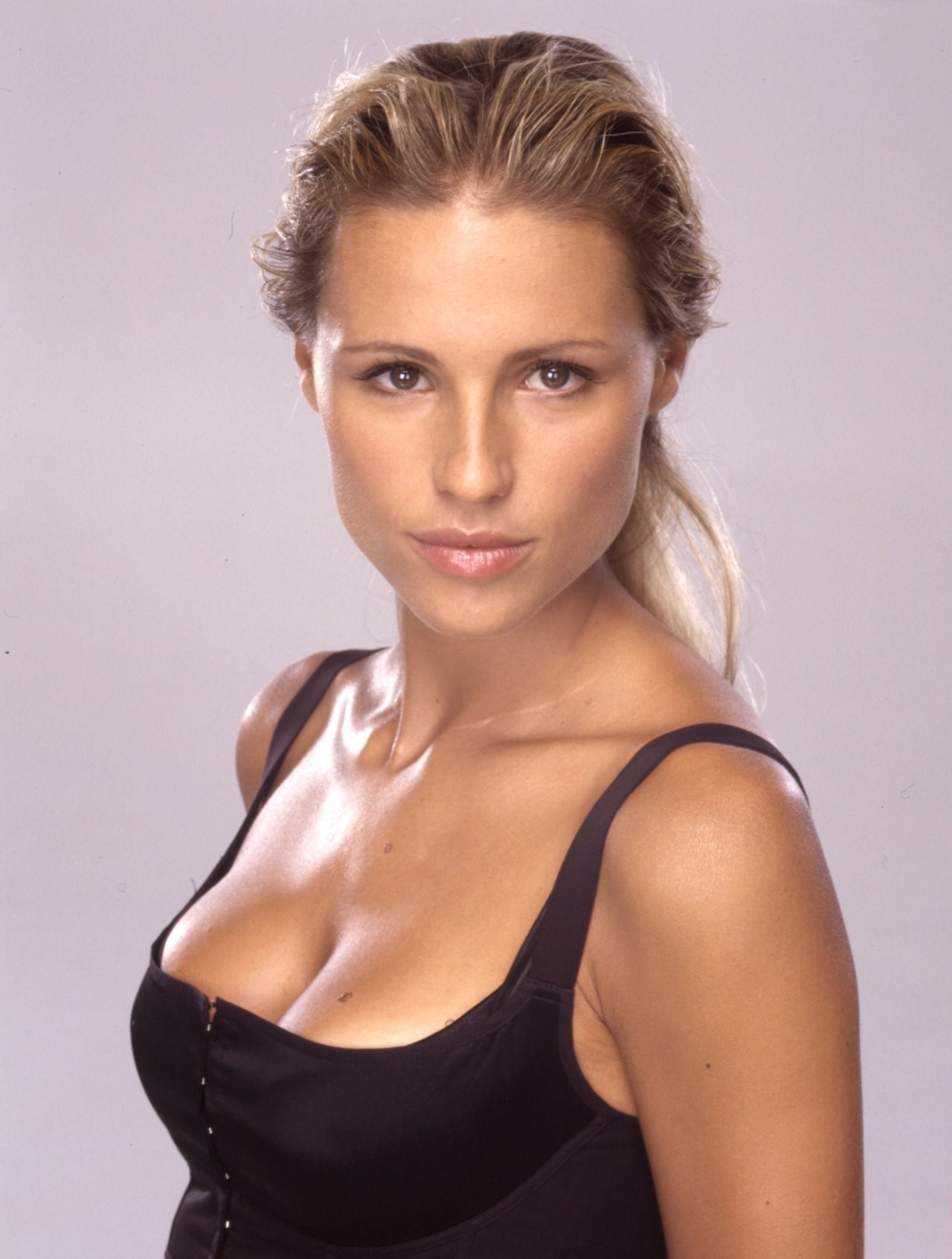 Michelle Hunziker nude (27 pictures) Sideboobs, Twitter, braless
