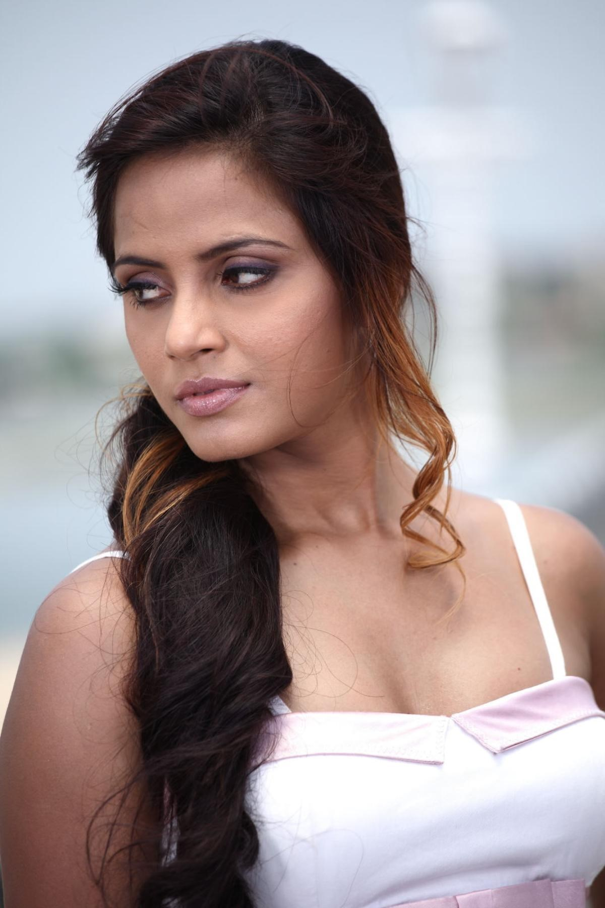 Neetu Chandra Nude Photos 93