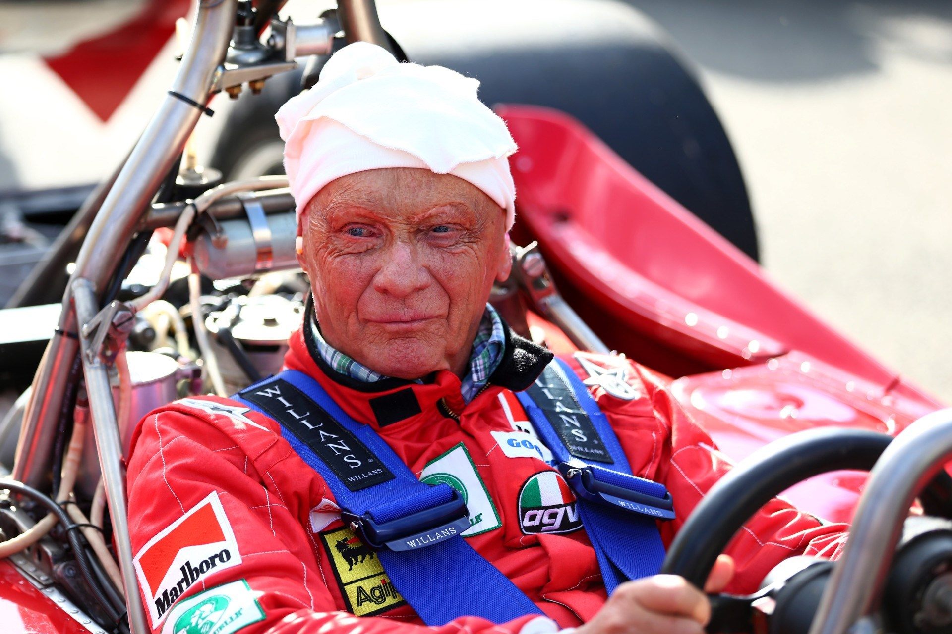 niki lauda known people famous people news and biographies. Black Bedroom Furniture Sets. Home Design Ideas
