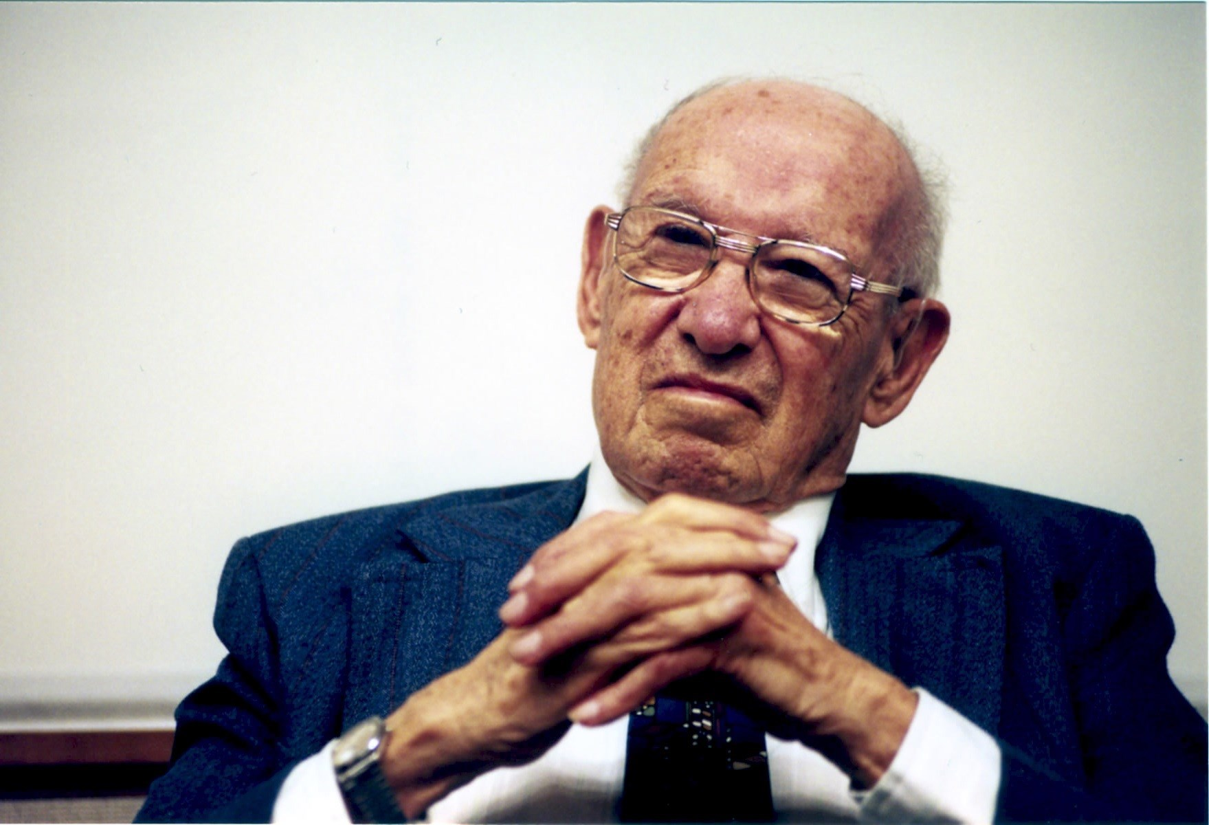managing oneself by peter f drucker management essay In his article, managing oneself, peter f drucker establishes the correlation between success and self-awareness success in the knowledge economy comes to.