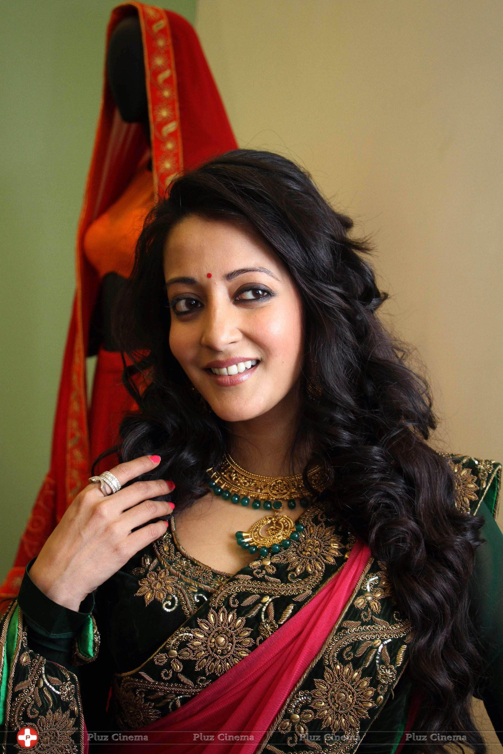 Raima Sen Nude Photos 11